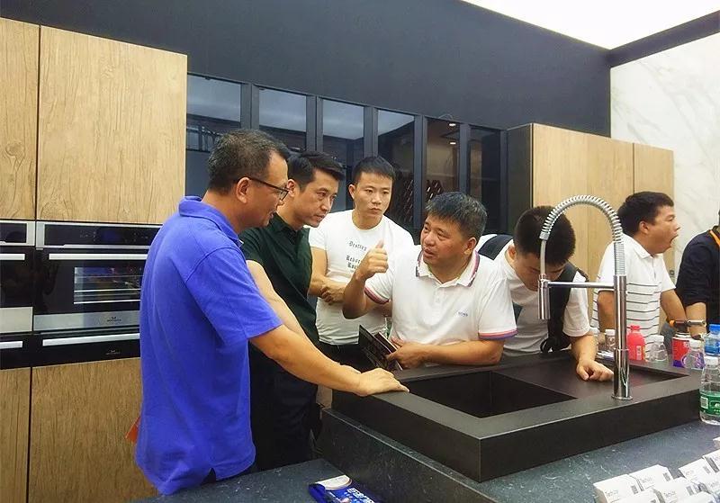 不再是概念!从中国建博会(广州)看瓷砖在家居定制中的应用